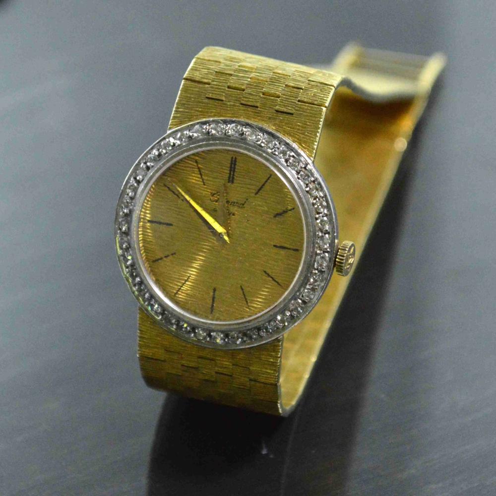 80ec444513f1 Explore la colección de relojes de oro para dama y caballero y seleccione  su modelo favorito para encontrar el reloj de oro perfecto para usted.